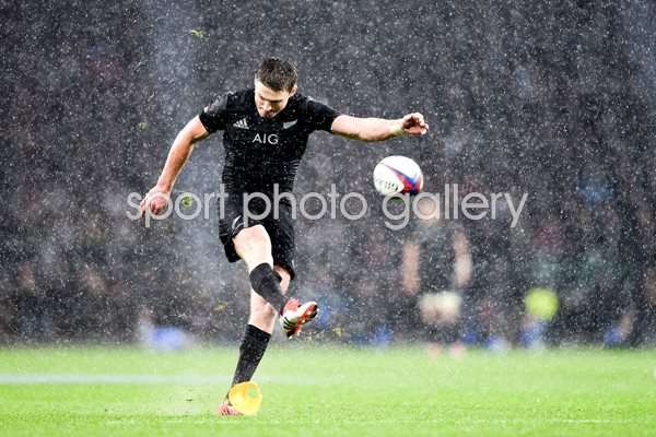Beauden Barret New Zealand v England Twickenham