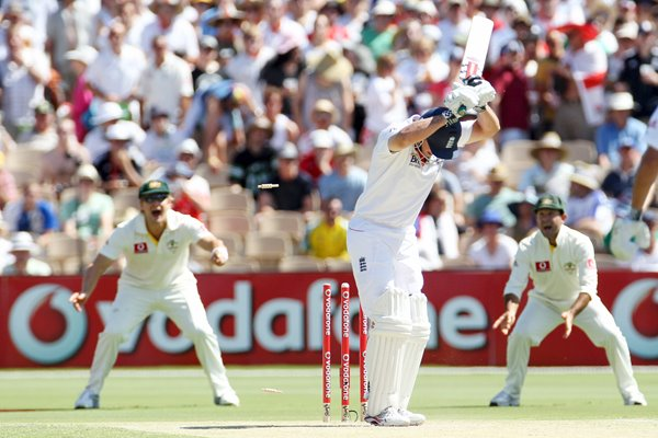 Andrew Strauss bowled - 2nd Test - 2010 Ashes