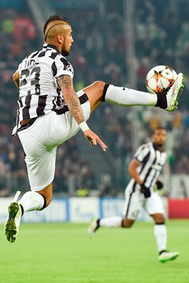 Arturo Vidal of Juventus controls the ball
