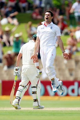 James Anderson celebrates - 2nd Test - 2010 Ashes