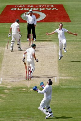James Anderson celebrates - 2010 Ashes