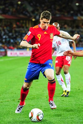 2010 FIFA World Cup - Torres on the attack