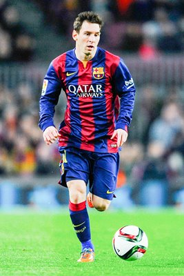 Lionel Messi FC Barcelona runs with the ball