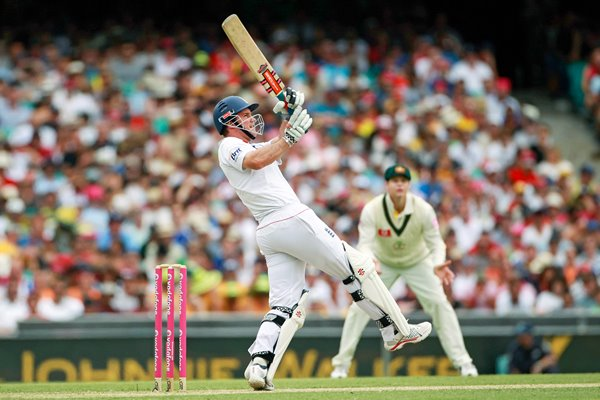 Andrew Strauss hits a 6 at the SCG - 2010 Ashes