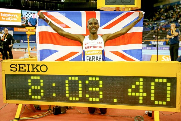 Mo Farah Breaks Mens 2 mile World Record 2015