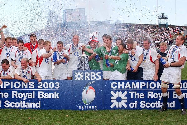 England celebrate 6 Nations Grand Slam Win 2003