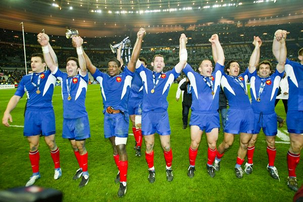 France celebrate Grand Slam 6 Nations 2004